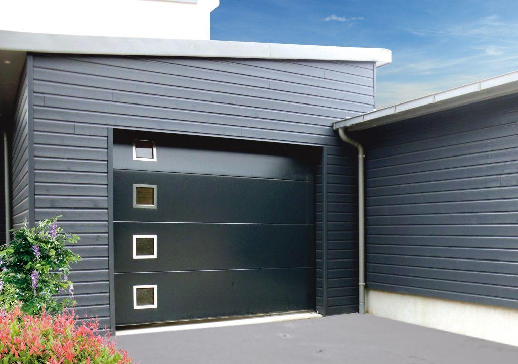 Porte-de-garage-sectionnelle-avec-hublot